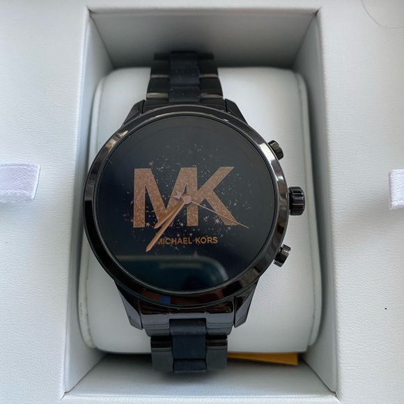 Ladies Michael Kors smart watch like new in box